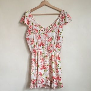 💐NWT💐UO Pins and Needles Floral Romper Sz S
